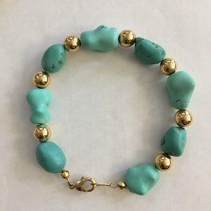 Vintage Jewelry - Chunky turquoise gold tone bead bracelet